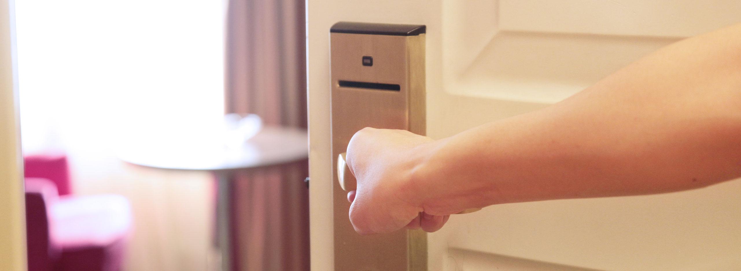 تصویر از امنیت فیزیکی و Access Card ها – قسمت اول